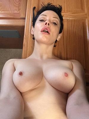 mature pussy self strive dirty sex pics