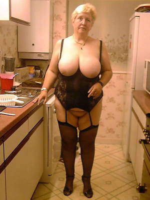 free xxx naked mature grannies pictures