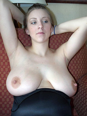 hot mature moms stripped