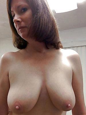 beauties full-grown long nipples pics