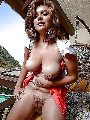 beauties beamy nipple mature gallery