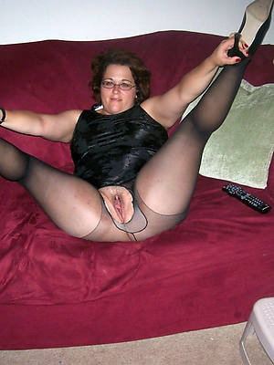 full-grown legs here nylons pictures