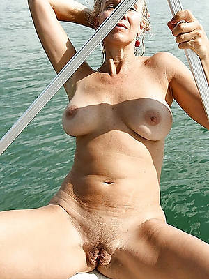 free mature outdoor mobile porn