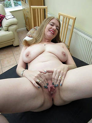 mature hairy cunts naked porn pics