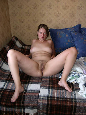 reality off colour mature legs porn pics