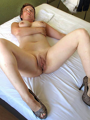 mature shaved pussy mobile porn