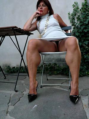 dilettante private matures posing nude