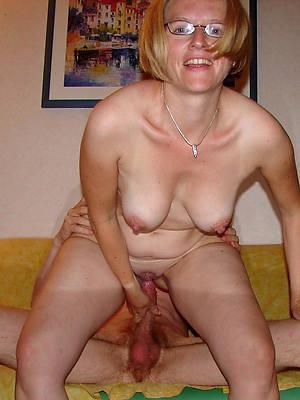 grown-up woman fucks homemade xxx