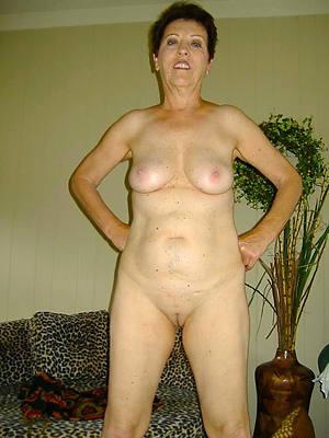 old women mature posing nude