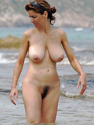 mature bikini beach free porn pics