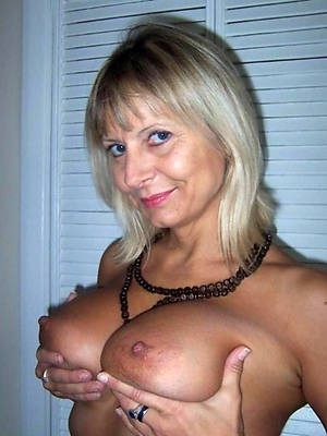 pulchritude big natural grown-up boobs porn gallery