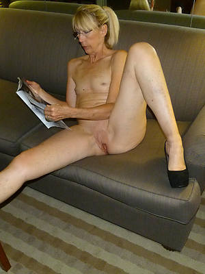 amateur mature womens frontier fingers porn pic download