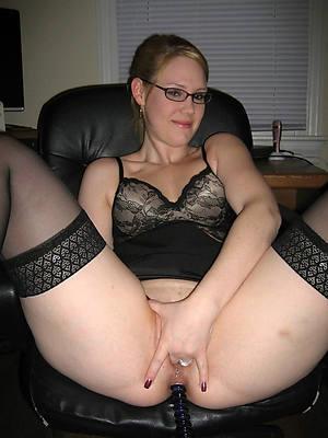 amateur mature woman masturbating tyrannical body