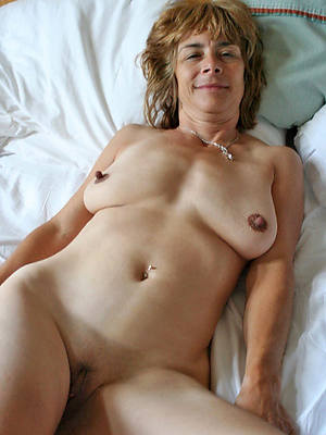 hot mature nude woman conscientious tits