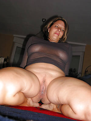 hot naked heavy mature wife