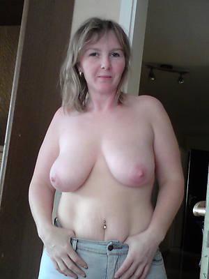 easy amature mature natural tits nude pics