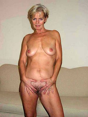 busty mature blondes nude pics