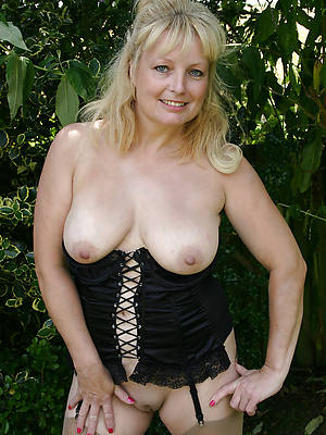 mature blondes dirty sex pics