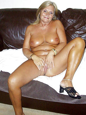 old mature column beuty pussy