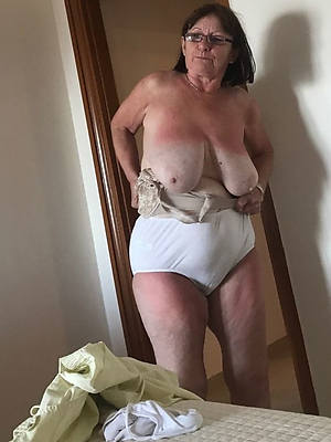 Bohemian amature grown-up grandma nude pictures