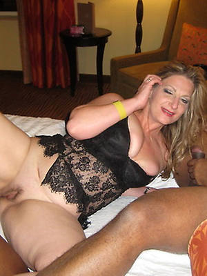 mature mom interracial old pussy