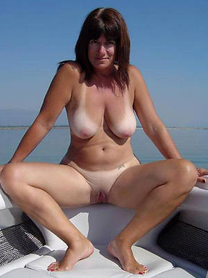 nude mature wives having sex