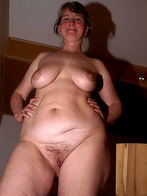 unclothed pics of immaculate mature women