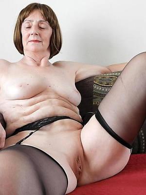 older mature moms free porno photos