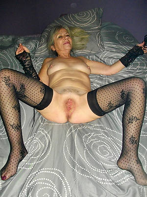 number one older mature woman nude pics
