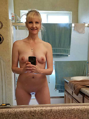 unconcealed mature selfies having sex pictures