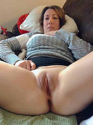 sweet nude big ashen mature ass