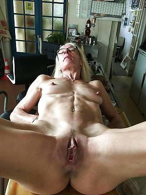 horny mature milf porn pics