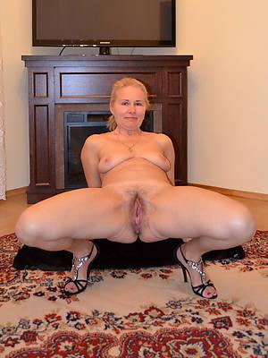 hot lay bare mature cunts pics