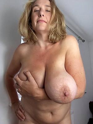 easy amature mature saggy soul porn pics