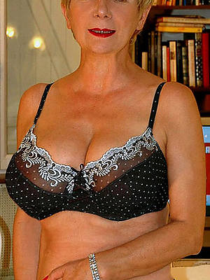 mature babes in lingerie shows pussy