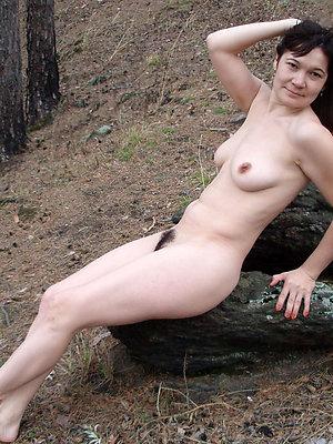 porn pics ofoutdoor mature nude