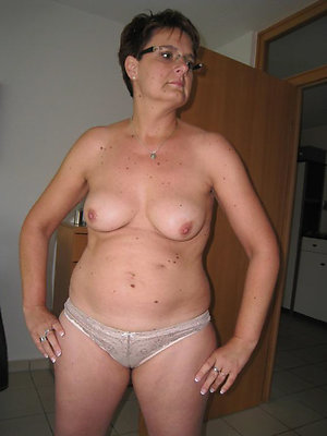mature in panties carry the porn