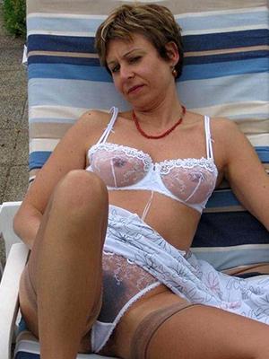 curvy mature pussy in panties