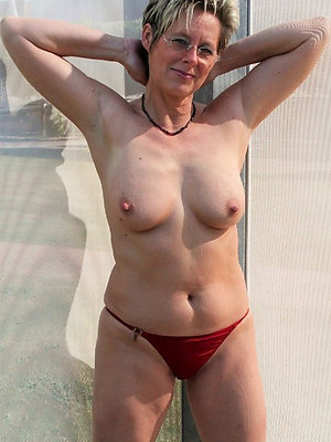 fantastic free mature panty pics