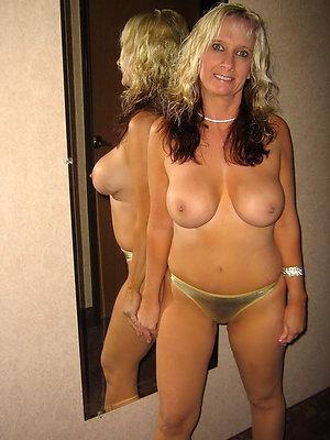 free pics of mature moms in panties