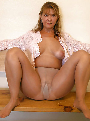super-sexy mature pantyhose pictures