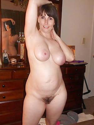 sweet mature wife nude pics