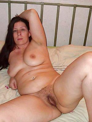 brunette mature high def porn pic
