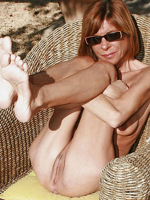 mature skinny hairy pussy porno pics