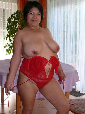 sweet nude of age busty latinas
