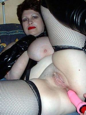 hot bonking mature anal dildo