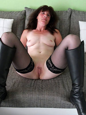 charming nude horny mature pictures