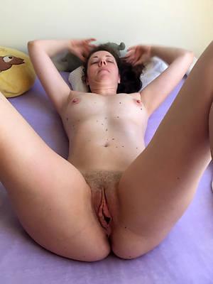 shagging mature pussy