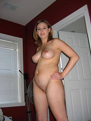 of age blonde milf shows pussy