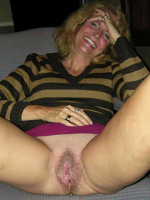 amateur mature vulva pic